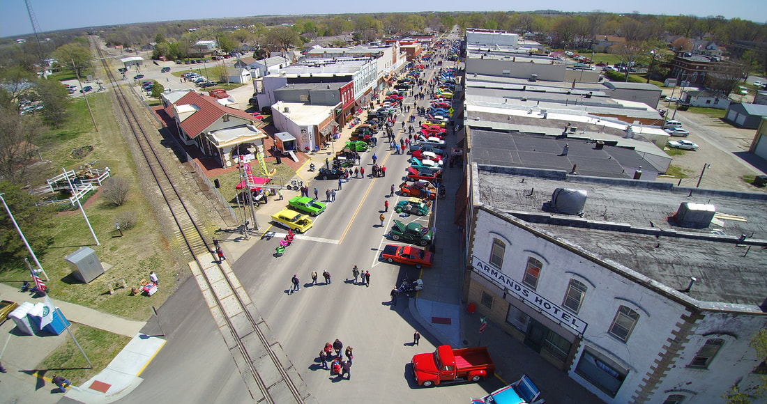 Osage City Area Drone Photos - Osage city ks car show